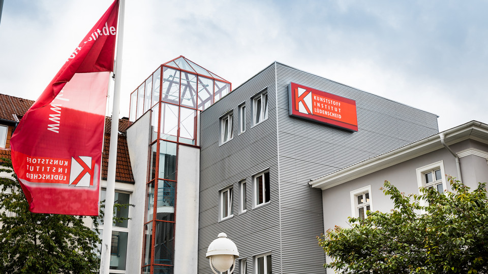 MOVACOLOR JOINED LÜDENSCHEID PLASTICS INSTITUTE